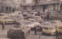 Militares y tanques en calles de Argelia en 1991 durante la guerra civil